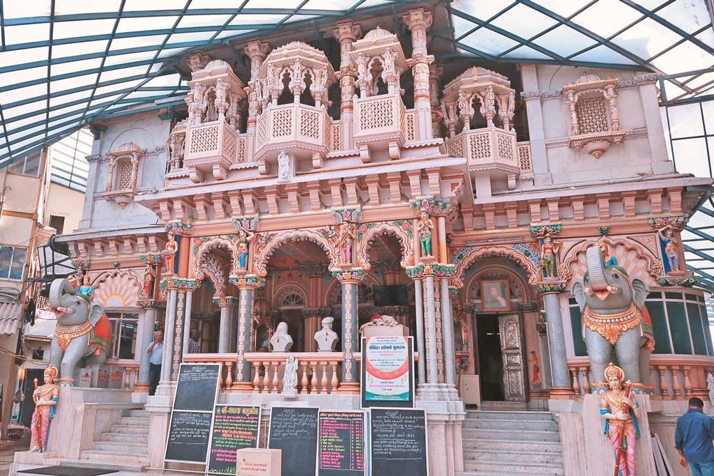 Mumbai Sehenswürdigkeiten - lerne neuen Religionen kennen