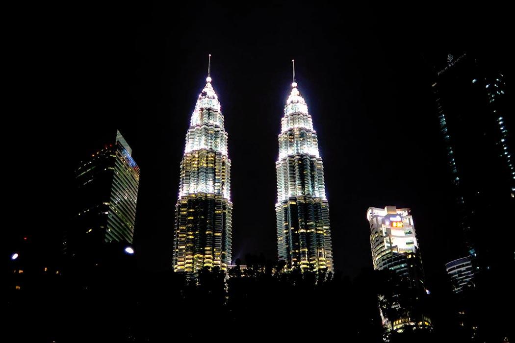 Petronas Towers - die Hauptattraktion von Kuala Lumpur