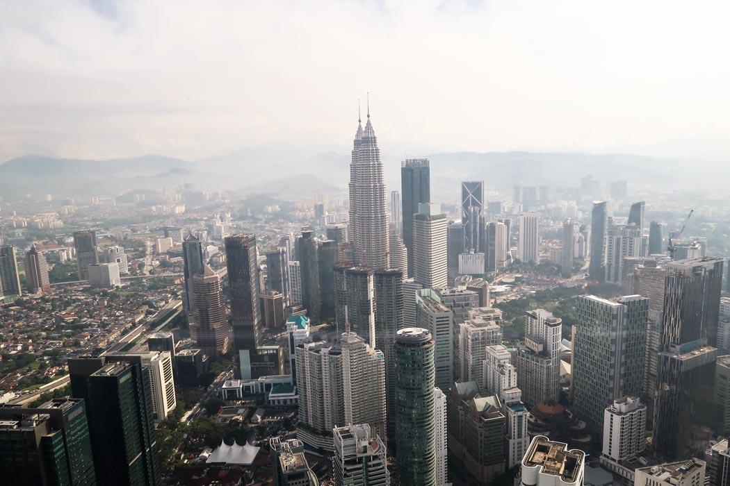 Kuala Lumpur aus der Vogelperspektive vom Menara KL aus