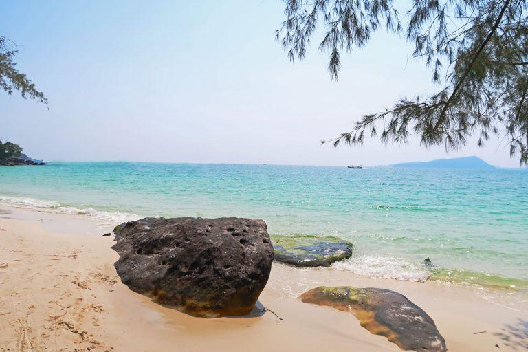 Türkises Meer und ein perfekter Sandstrand auf Koh Rong