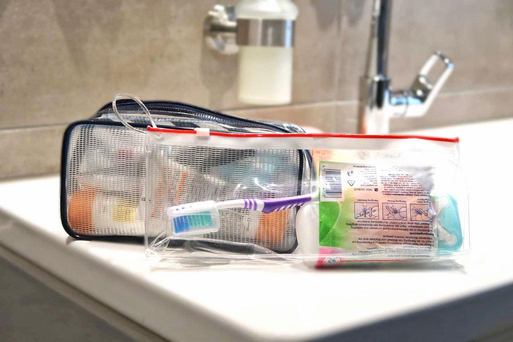 Flüssigkeitenbeutel im Handgepäck - Kulturtaschen auf der Weltreise - likeontravel