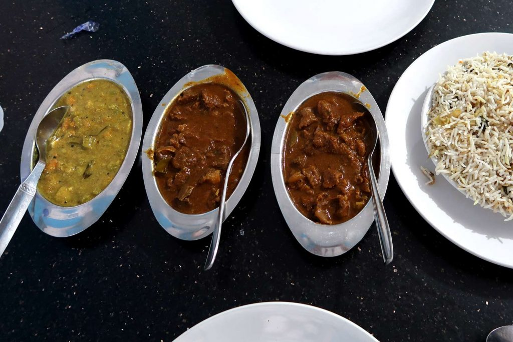 Indisches Beefcurry bei Lucky Star (Fort Kochi) - likeontravel
