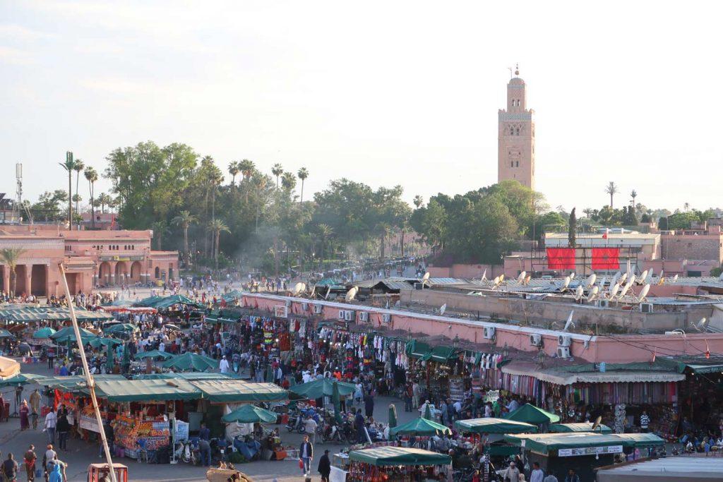 Der Marktplatz Djemaa el Fna likeontravel
