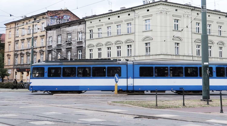 Öffentliche Verkehrsmittel in Krakau, Polen - #polen #krakau #nahverkehr #straßenbahn #zug #bus