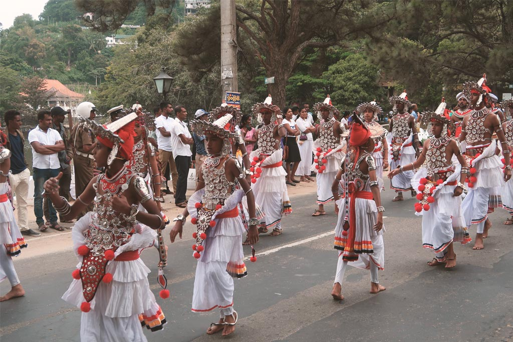 Sri Lanka Reisetipps - Einheimisches Fesst in Kandy