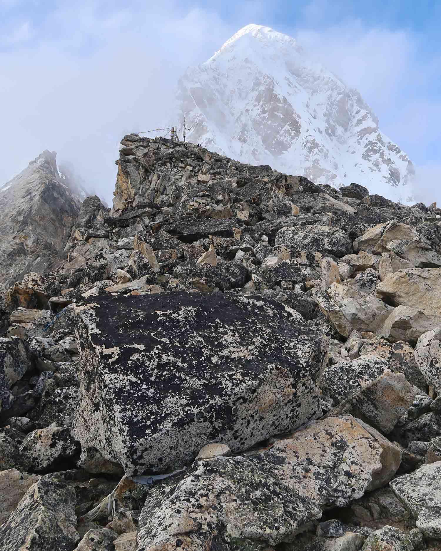 Die Spitze des Kala Patthar auf dem Everest Base Camp Trek - Likeontravel