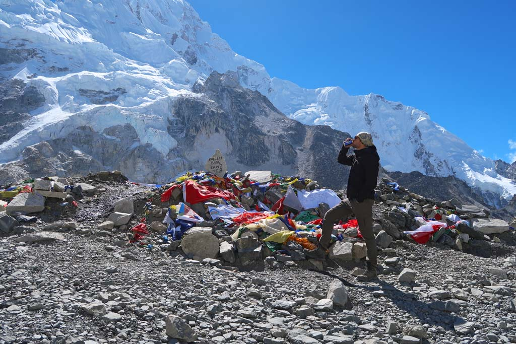 Snickers und Everest Beer am Everest Base Camp - Tag 9 vom EBCT - Likeontravel