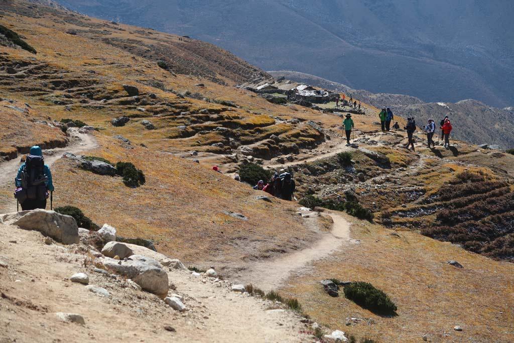 Karge Landschaft vor Pangboche - Rückkehr vom Everest Base Camp - Likeontravel