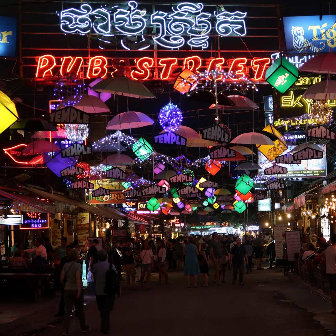 Pub Street, die Barmeile in Siem Reap, Kambodscha