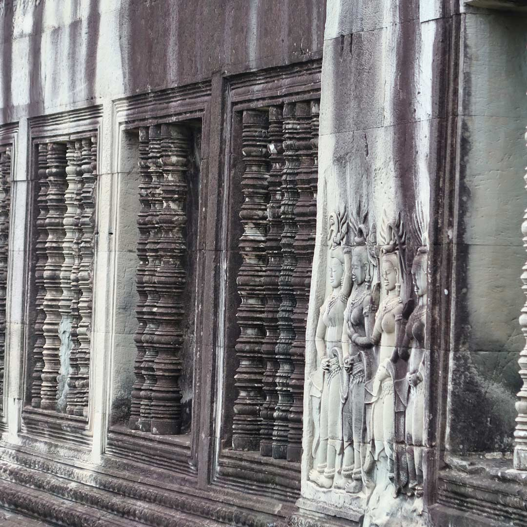 Verzierte Tempelwände am Angkor Wat