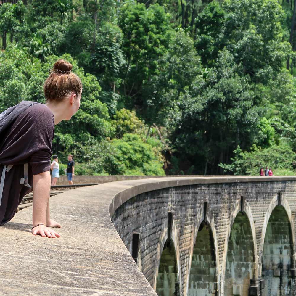 Die Nine Arch Brige Sehenswürdigkeit in Ella Sri Lanka