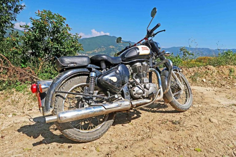 Royal Enfield Classic 350cc im Outback von Nepal