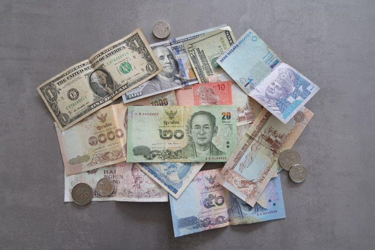 Geldscheine aus der ganzen Welt - internationale Banknoten