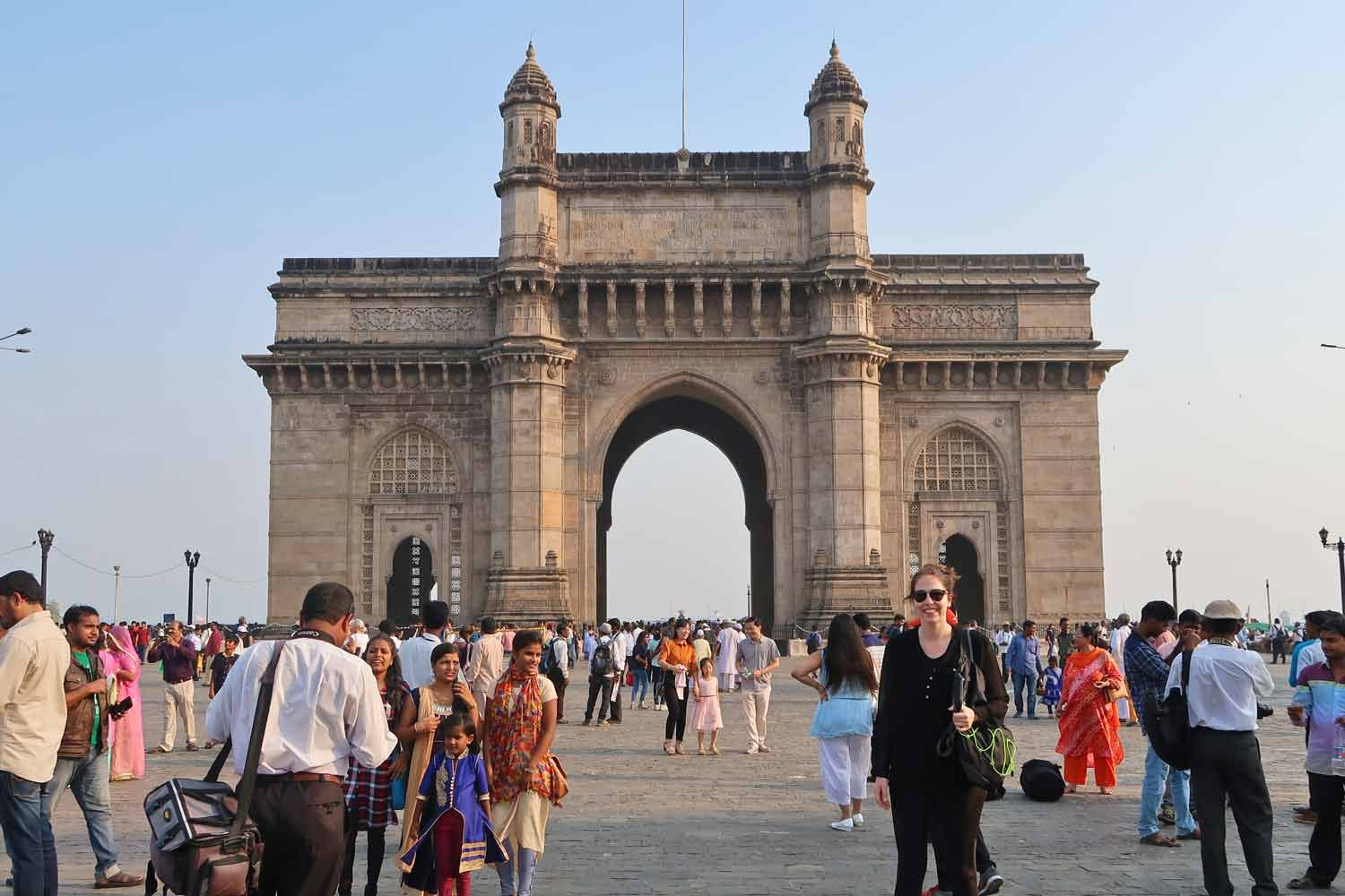 Fotoshooting am Gate of Inida in Mumbai - Weltreise Highlight