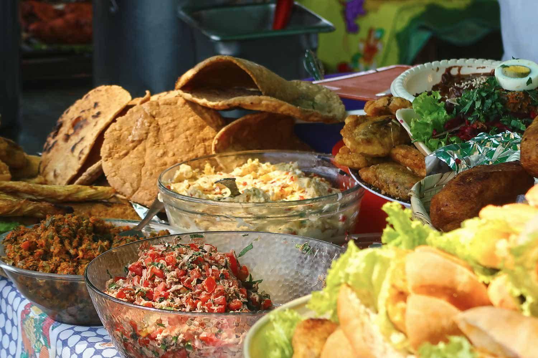 Antigua Sehenswürdigkeiten - 10 Dinge, die du machen solltest - Streetfood an der La Merced
