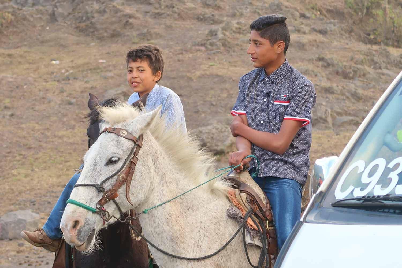 Pacaya Vulkan Tour - Pferde