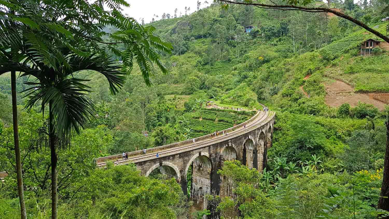 Die Nine Arch Bridge in Ella, Sri Lanka