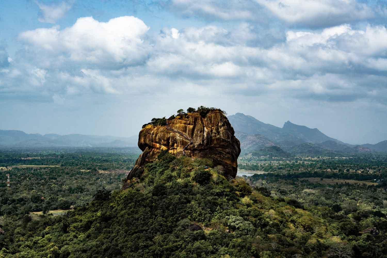Das Wahrzeichen von Sri Lanka - der Sigiriya Felsen