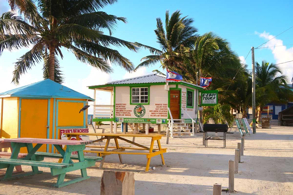 Caye Caulker Tipps, die du nicht verpassen darfst! #belize #amerika #cayecaulker #karibik #karibikinsel #karibischesmeer #tipps #schnorcheln #unterkunft #tipps #reiseblog