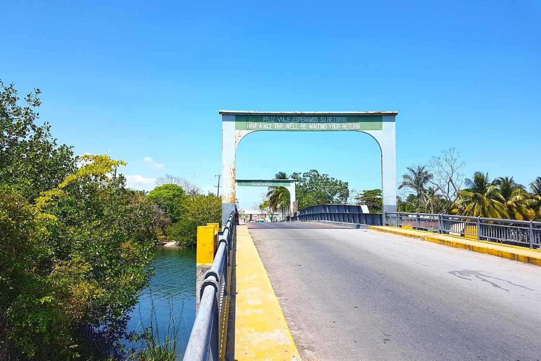 Von Belize nach Mexiko - Blick auf den Rio Hondo