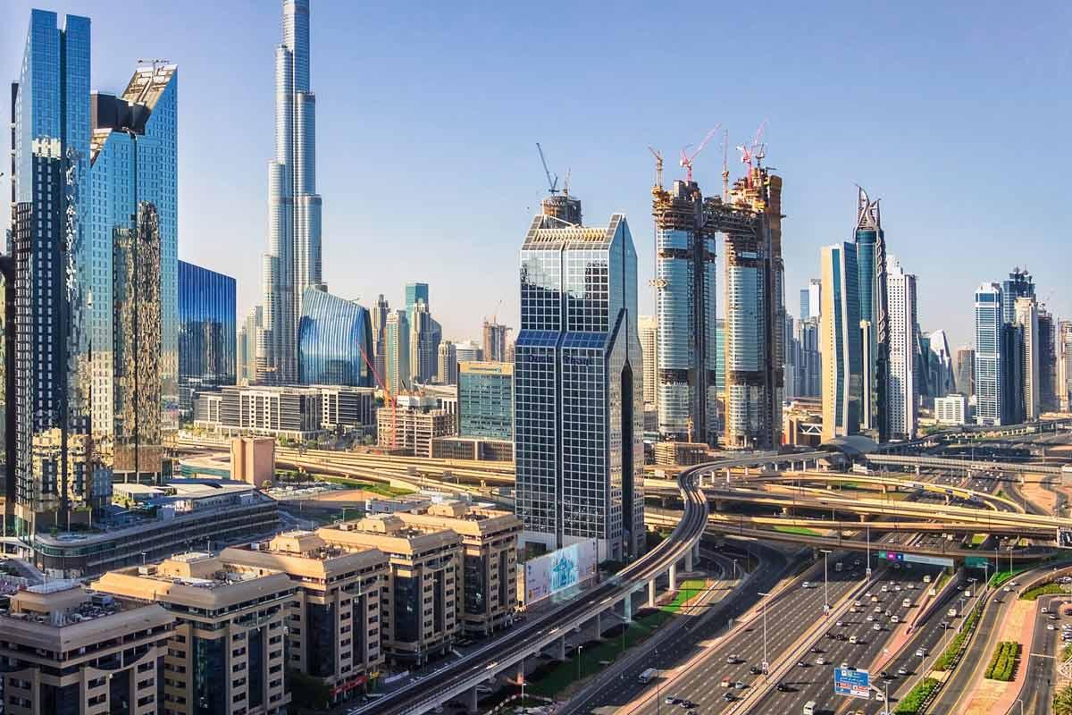 Dubai Rundreise - 5 gigantische Tage im Orient - Die Straßen in Dubai