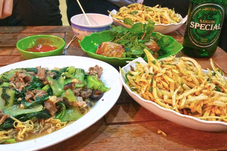 Hanoi Sehenswürdigkeiten - 10 Dinge, die du machen solltest - Streetfood in Hanoi