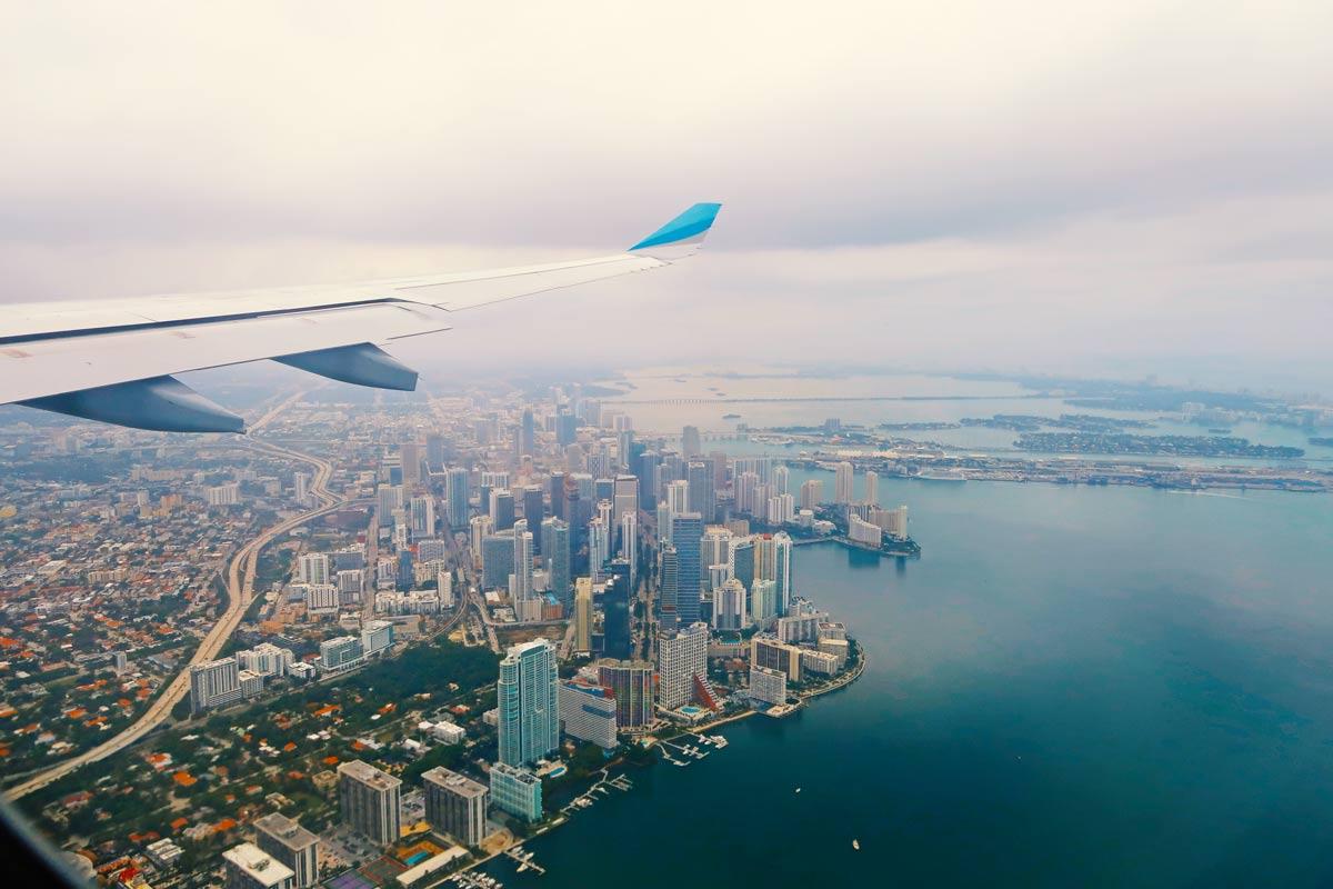 Miami Beach Sehenswürdigkeiten - 10 Dinge, die du machen solltest - Miami aus dem Flugzeug