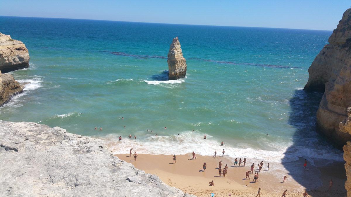 Strandurlaub Portugal - 13 geniale Spots, die du kennen musst! #portugal #europa #algarve #bestenstrände #schönstestrände #beachhopping #reisezeit #spots #tipps #reiseblog
