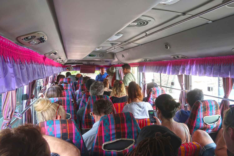 Tikal Guide - Die große Maya Stätte in Guatemala - Shuttle Bus