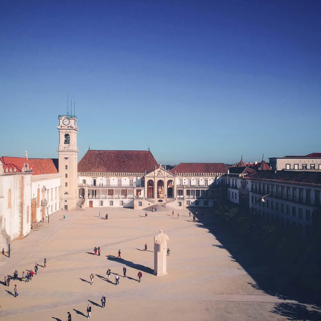 Die älteste Universität Europas befindet sich in Coimbra, Portugal