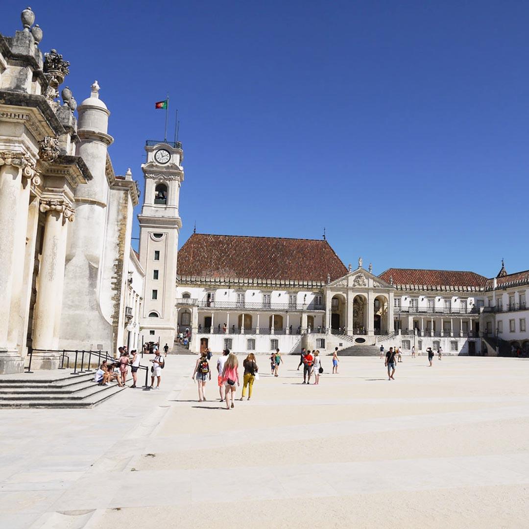 Portugal Rundreise - mache einen Abstecher zur ältesten Universität Europas