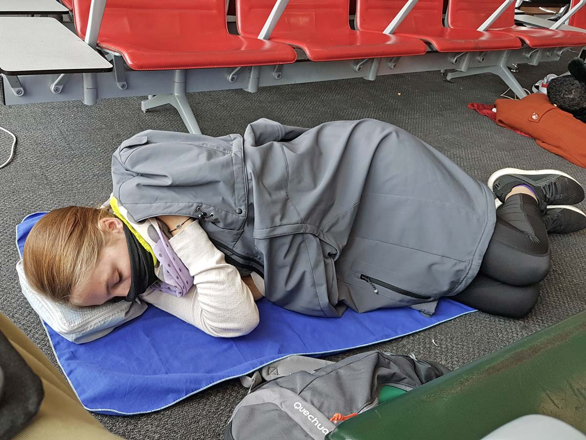 Langstreckenflug - schlafe am Flughafen