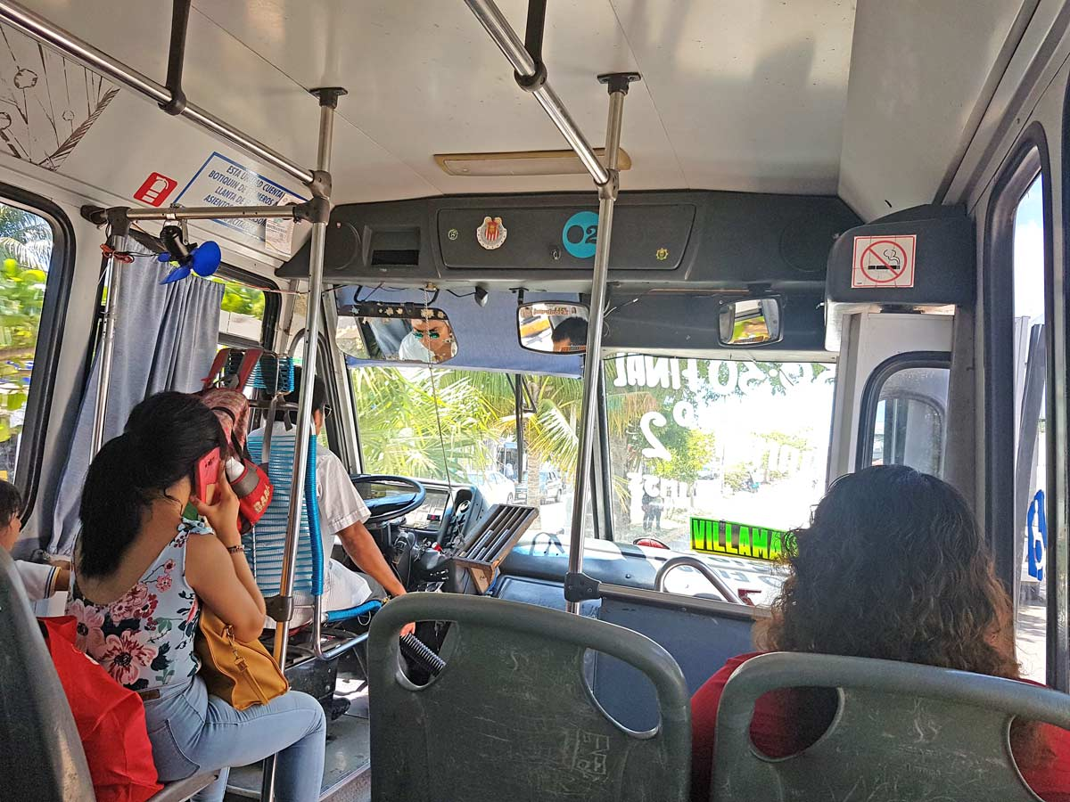 Öffentlicher Bus in Playa del Carmen