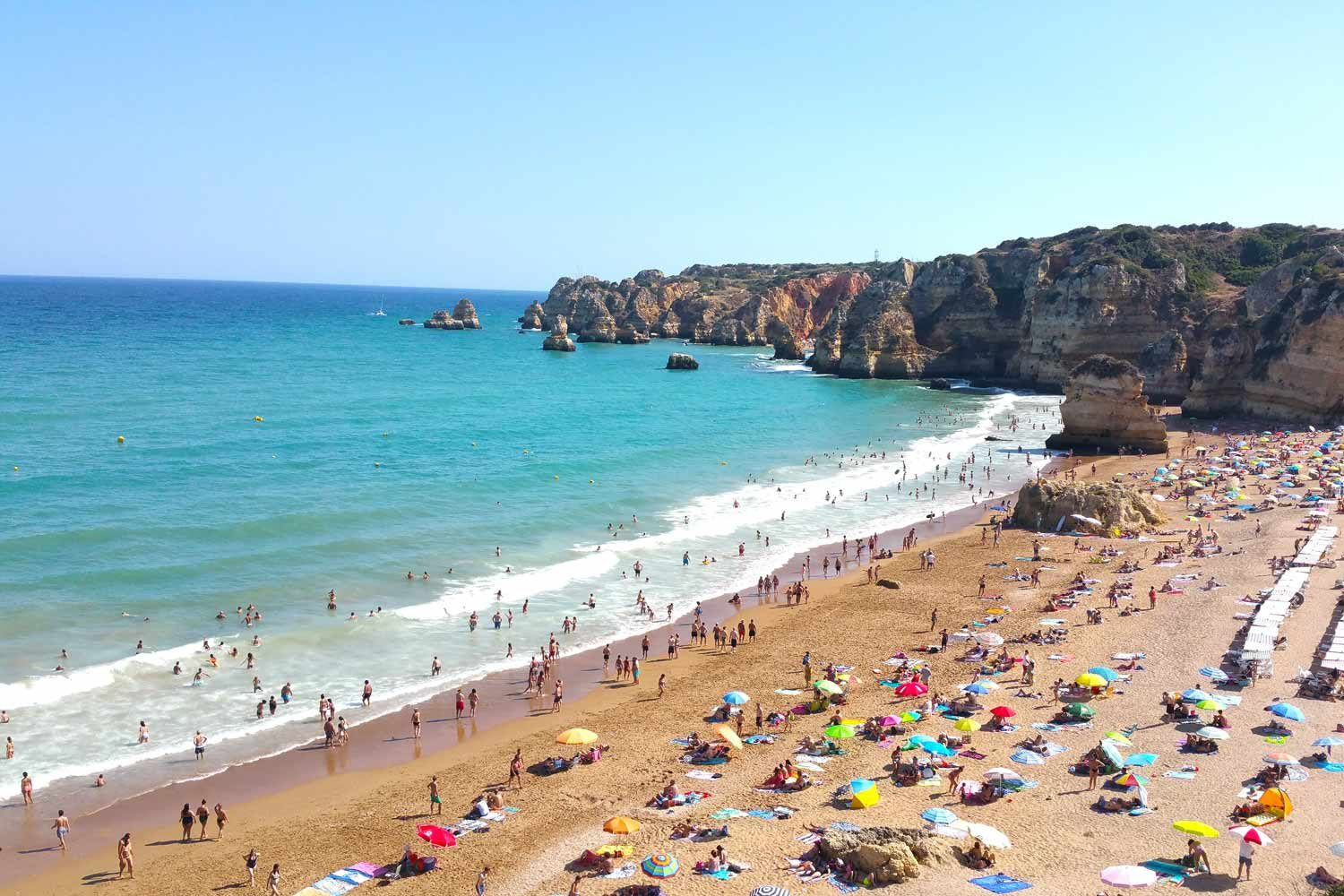 Strand in Lagos an der Algarve
