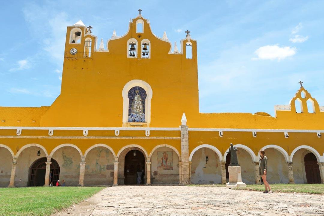 Highlight von Izamal: Das große, gelbe Kloster