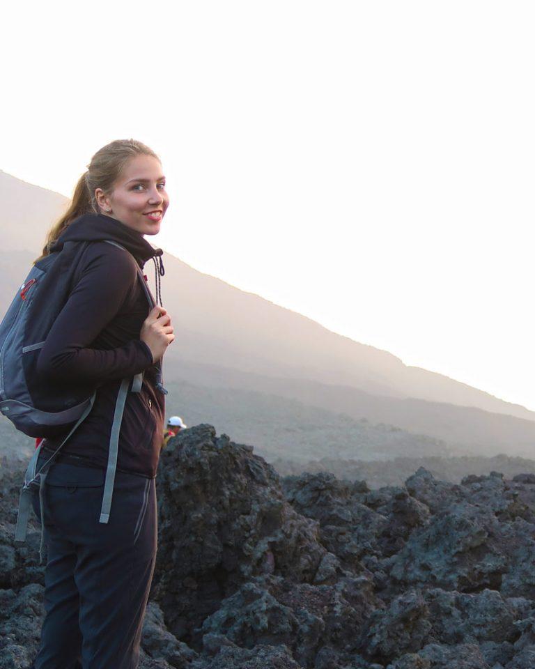Linda am Pacaya Vulkan
