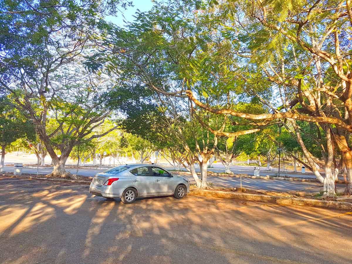 Der Parkplatz von Chichén Itzá vor dem Touristenansturm