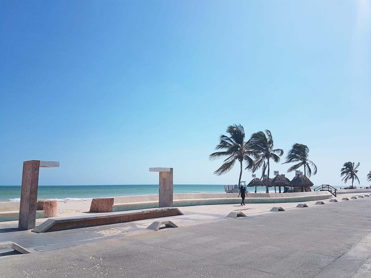 Der Strand in Progreso nahe Mérida Mexiko