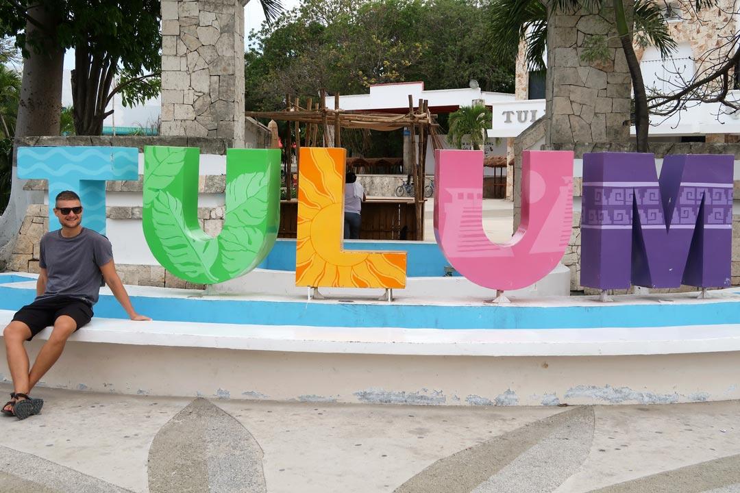 Tulum Sehenswürdigkeiten: Der bunte Schriftzug der Stadt