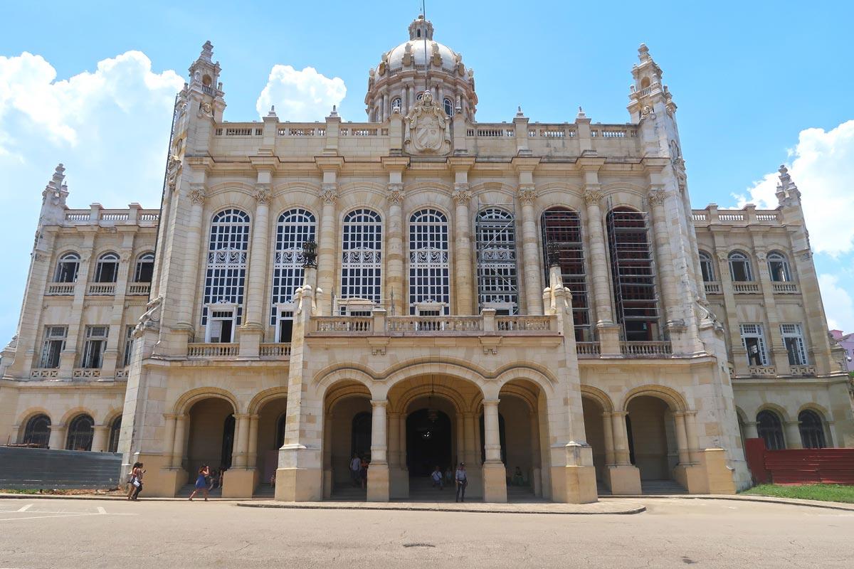 Das Revolutionsmuseum im alten Präsidentenpalast in Havanna in Kuba