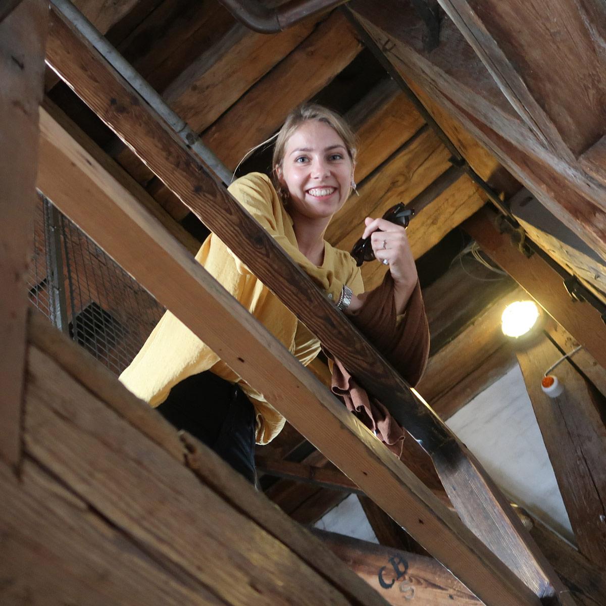 Die Holztreppen beim Aufstieg der Frelsers Kirke