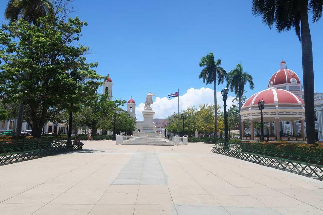 Alle bekannten Gebäude von Cienfuegos findest du am Parque José Martí