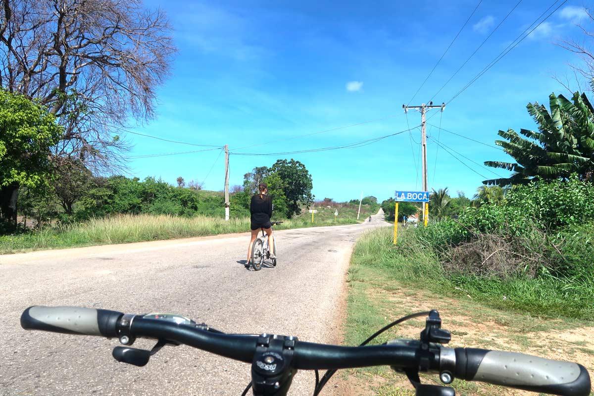 Mit dem Fahrrad zum Playa Ancón in Trinidad Kuba