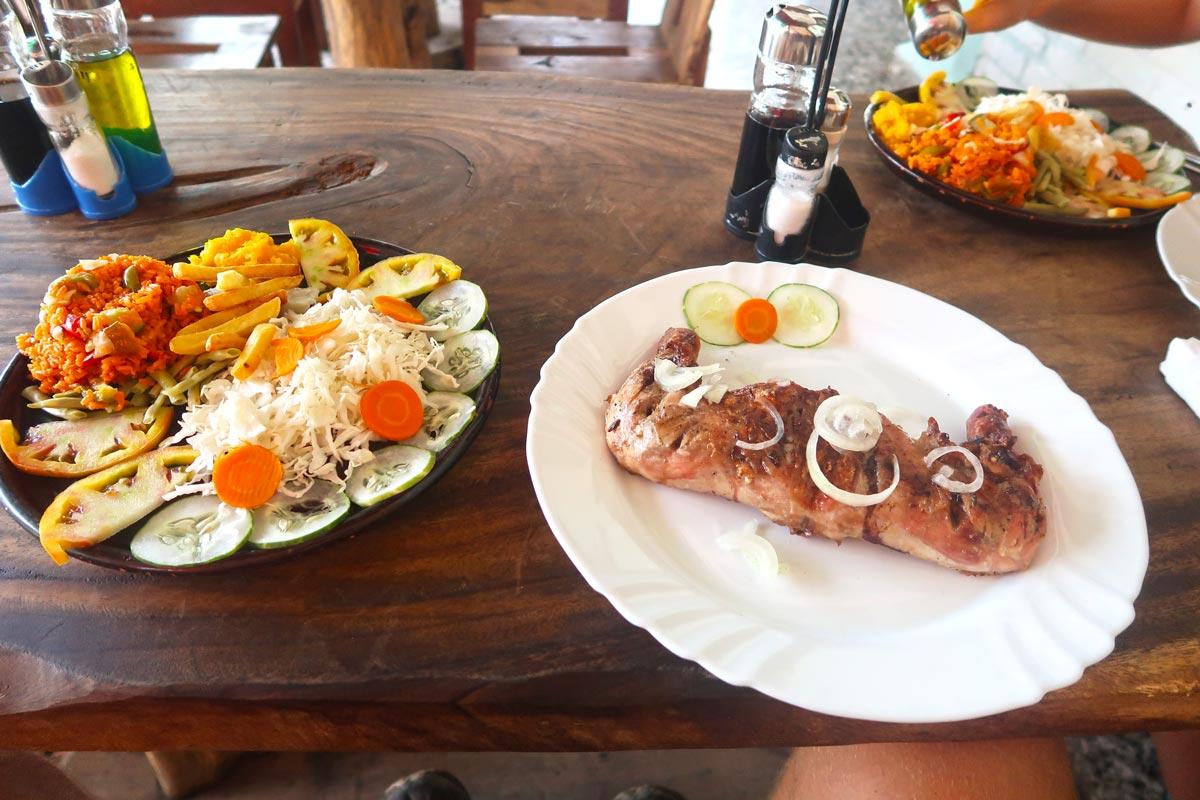 Leckeres kubanisches Mittagessen