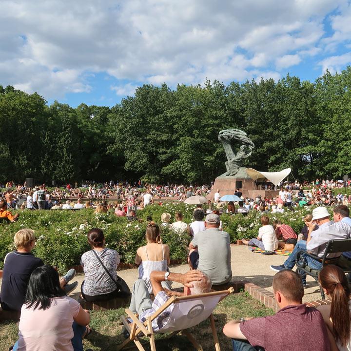 Chopin Denkmal in warschau konzert