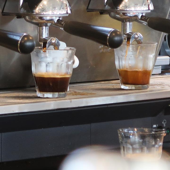 Weichelufer Warschau Kaffee