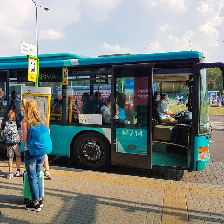 Transport Modlin nach Warschau öffentliche Verkehrsmittel Bus