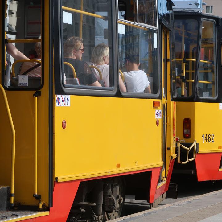 Straßenbahn in Warschau öffentliche Verkehrmittel