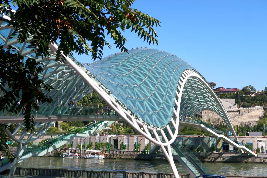 Friedenbrücke in Tbilisi