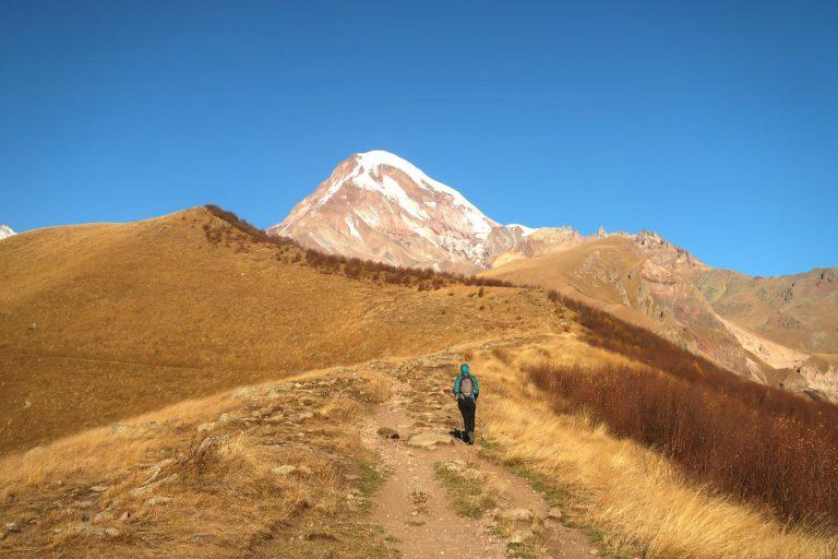 Gipfel des Kazbegi Gletscher